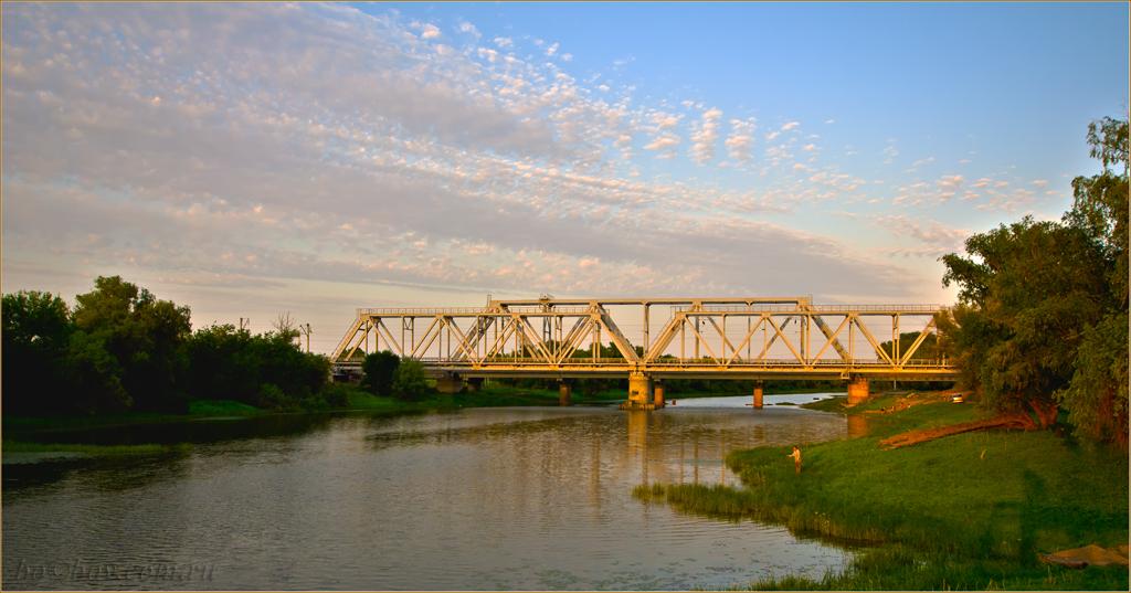 Вечер на реке с веселым именем Рыча.