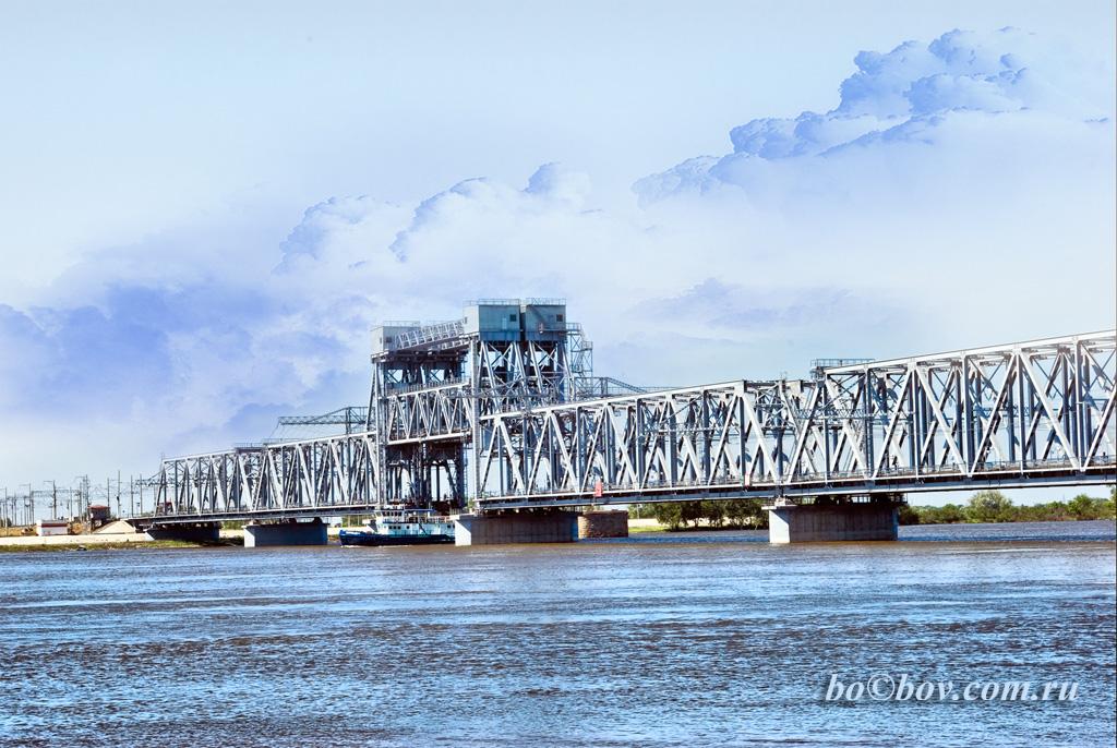 Старый мост через Реку Бузан. Его уже нет. На его месте стоит новый.